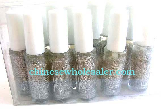 Color for nail art creatiions supplied by online China wholesale distribution dealer. Silver glitter nail polish.