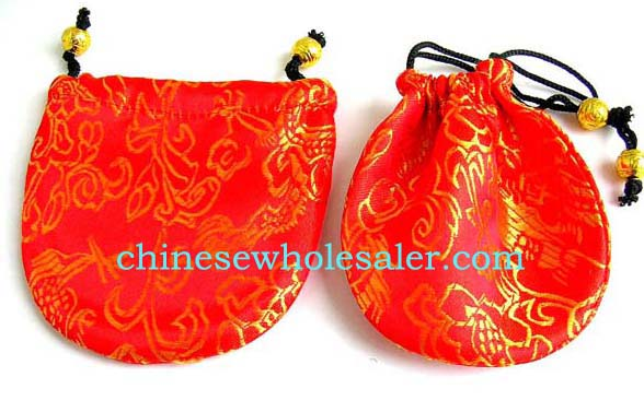 Online wholesale gift bags from China distributor supplies Mini Chinese needle art red silk purse with golden floral design and drawstrings for closure