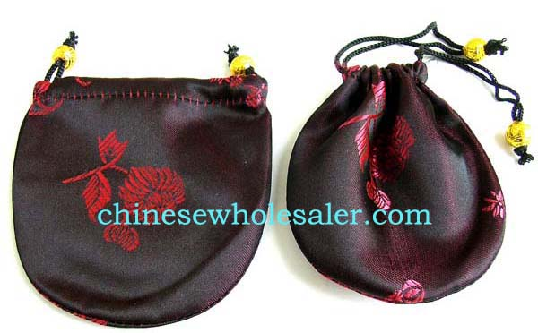 China manufacturers supplying online wholesale jewelry bag gifts. Chinese needle art black silk purse with red rose design and drawstrings for closure