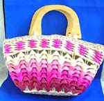 Distributors sell High quality mothers day gift handbags supplied wholesale. Multi pink straw hand bag with double wooden handle, zipper closure and inner pocket design