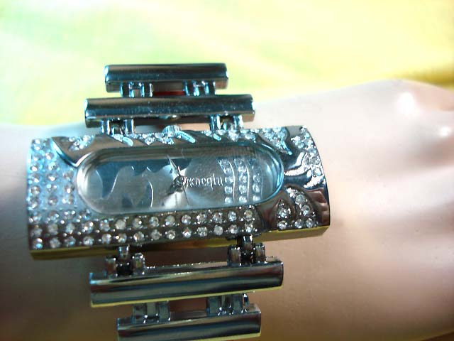 Flashing silver and gemstone framed wrist watch - Beauty wear factory exporter